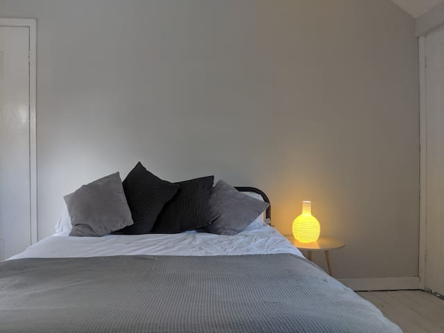 Newly Renovated Double Bedroom - Lovely Stay