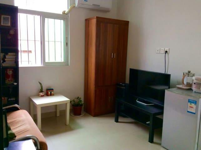 下沙地铁口商场口单身公寓single apartment at subway station