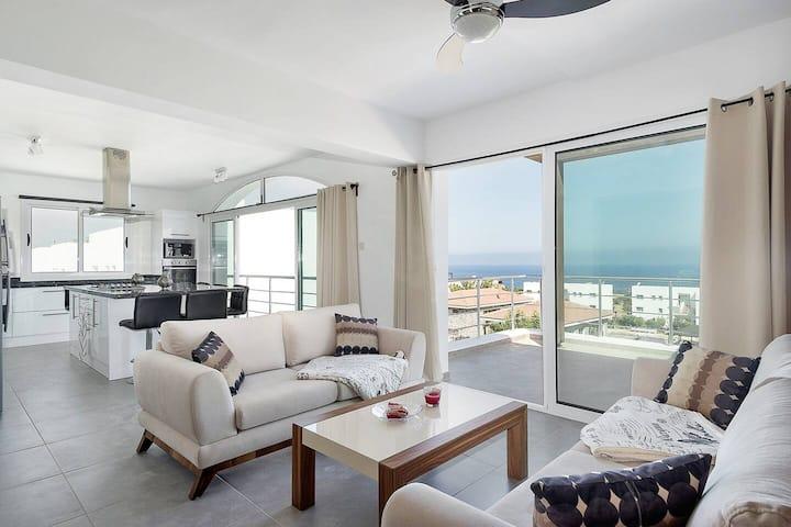 Joya Cyprus Golden Deluxe Penthouse Apartment