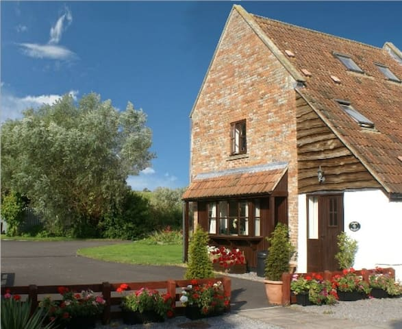 The Grain Barton - 3 Bedroom Cottage