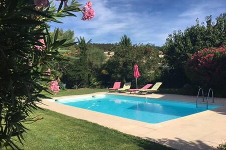 Villa de 160 m2 avec piscine - カヌー=アン=プロヴァンス - 一軒家