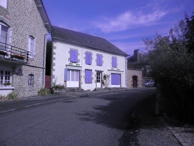 la maison du bonheur - Saint-Privat - Casa