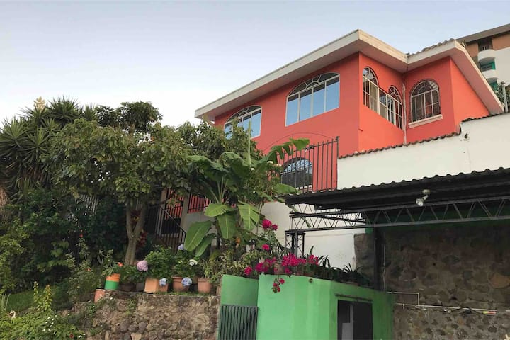 Lovely House, Great View, Escalon, San Salvador.