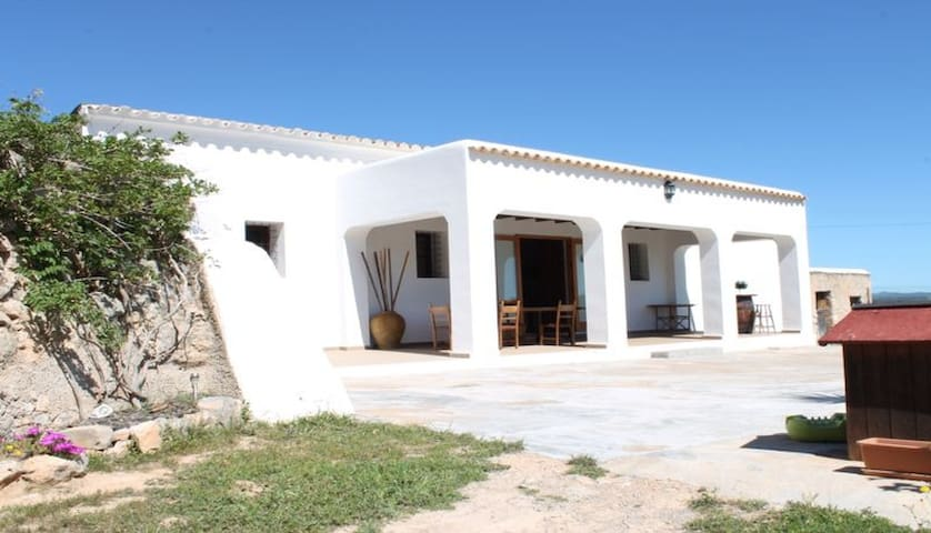 Double bedroom typical Finca Ibizenca farm house - Eivissa - House