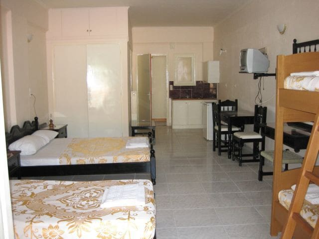 Selfcatering studio for 5,NEAR AQUALAND WATER PARK