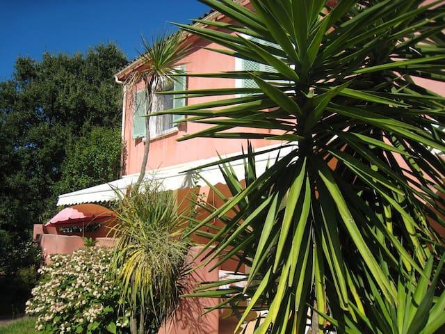 Studio dans villa Moriani à 150m de la plage - San-Nicolao - Lägenhet