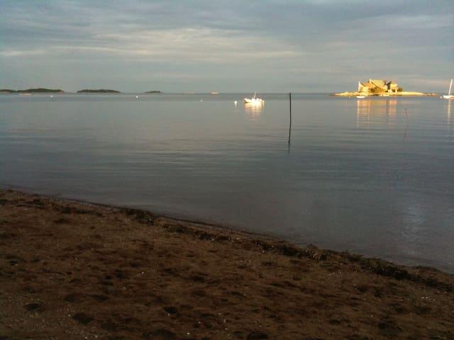 Seaside Cottage Retreat