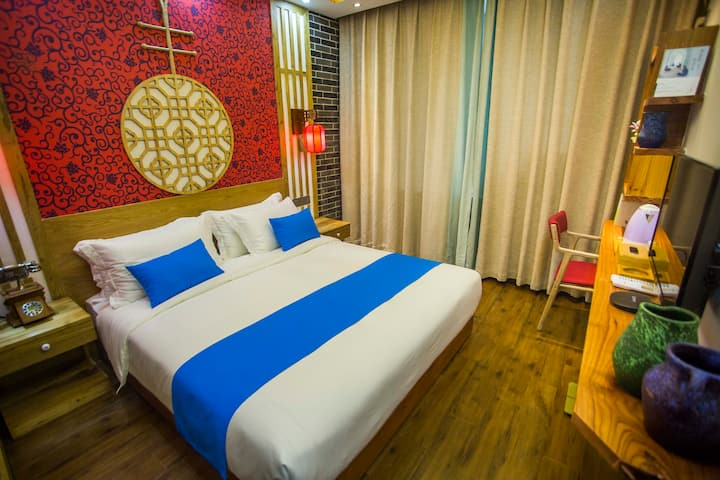 Kingbed room nearby Tianmenshan and train station