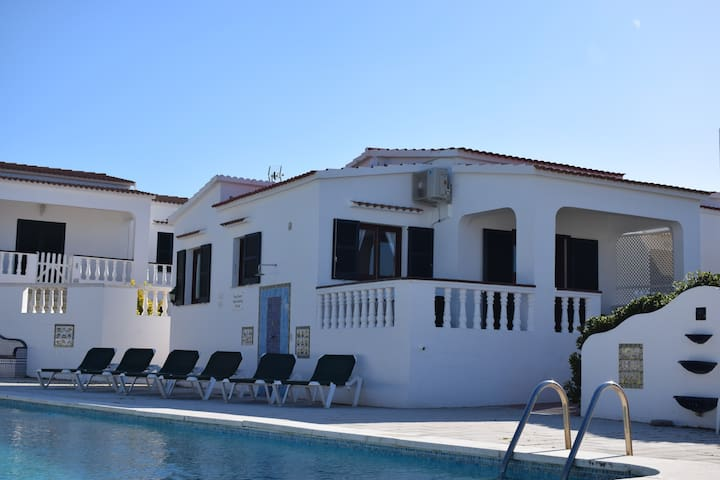 3 Bedroom villa, large pool,  250m from the beach