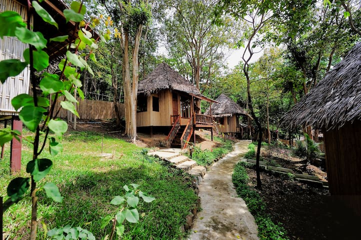 Natural Bungalow on Phi Phi Island!