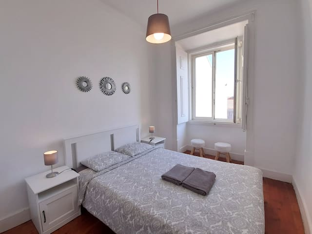 ✦ Cosy Double Room in the heart of Alfama ✦