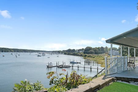 East Greenwich Waterfront Home-Walk to Town, Shops