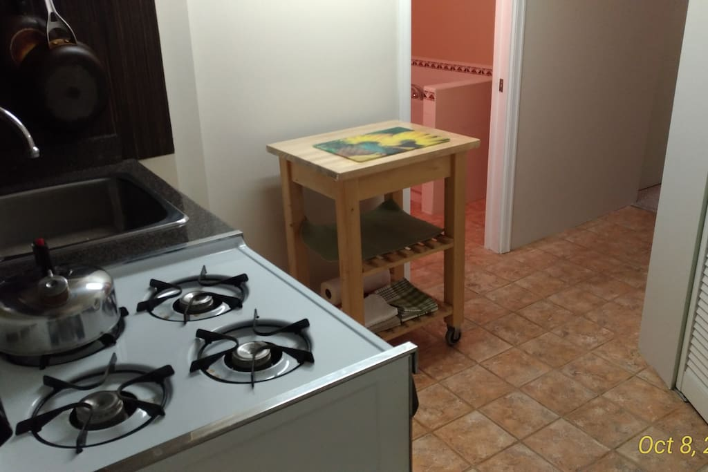 kitchen/gas stove