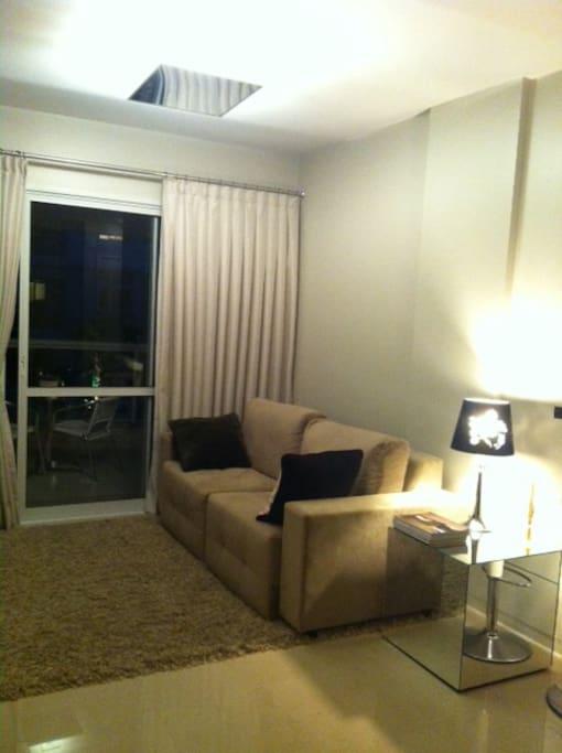 sala para dois ambientes e varanda de 16m2