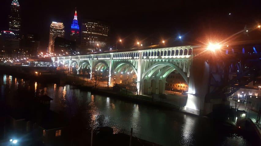 Penthouse Suite; Amazing City View - Cleveland - Loft
