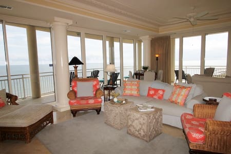 LA PLAYA 703- 4BR END UNIT ON GULF! - Apartamento