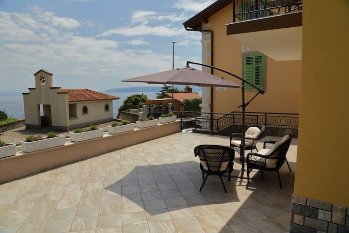 Villa Celzia-2 Bedroom Apartment-Terrace, Sea view