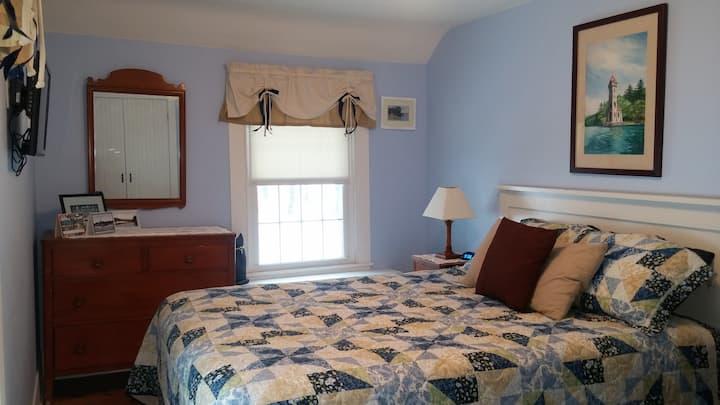 Cooperstown: Owl's Landing-Glimmerglass Guest Room
