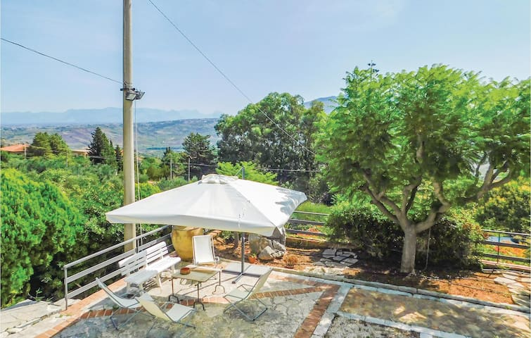 Holiday cottage with 3 bedrooms on 60m² in Castellammare del Golf