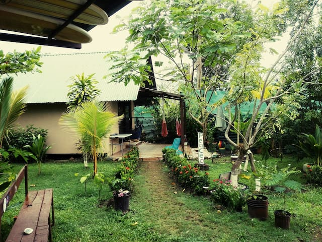 Jaco Beach Bungalow A/C , Surf & Relax