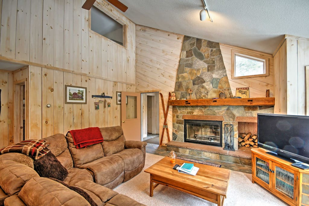 This home is perfect for up to 10 travelers!