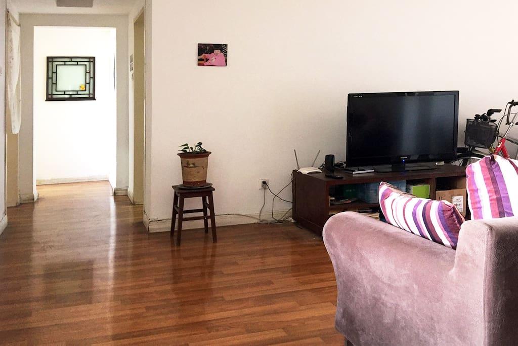 独立单间位于二室二厅房间尽头,安静,不受干扰。