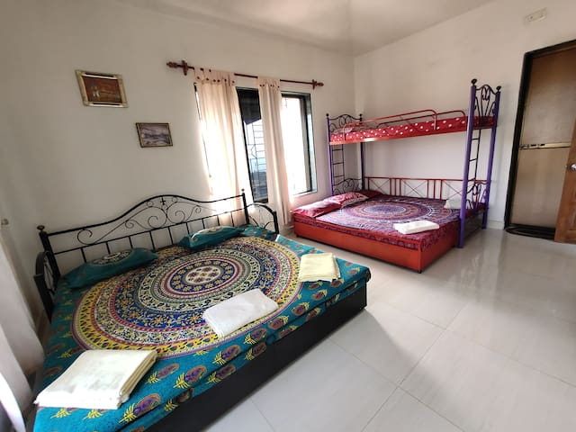 Shree Srushti Homestay- Family Room