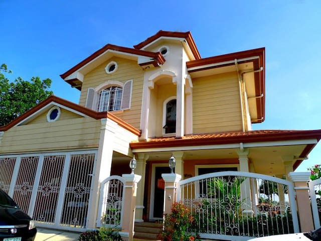 Vacation Home in Tagaytay - Alfonso - Dom