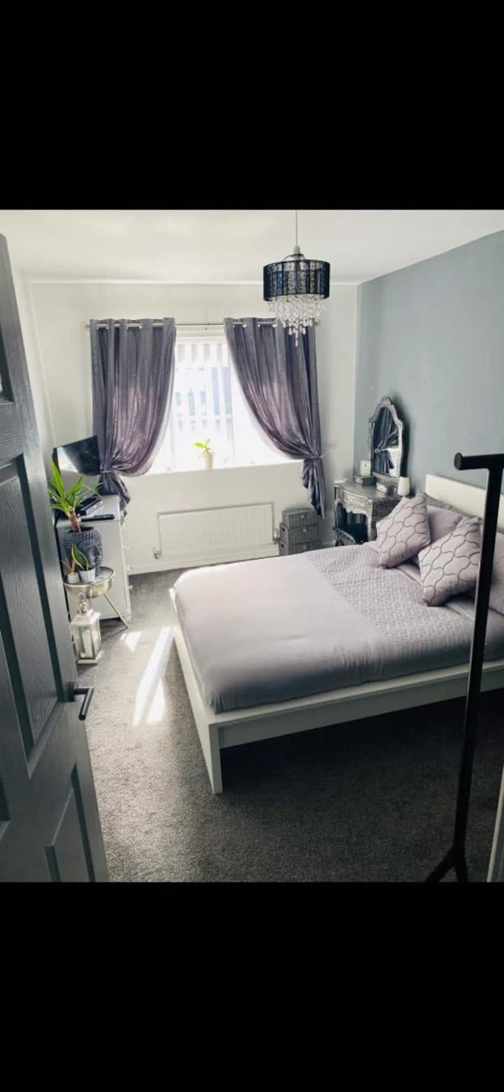 Modern double room close to Manchester airport
