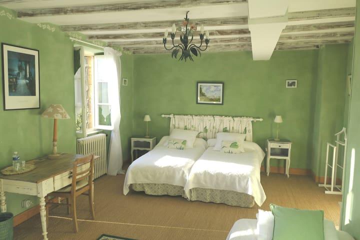 La VILLA MÈGE (Balade), Vézac, en Dordogne