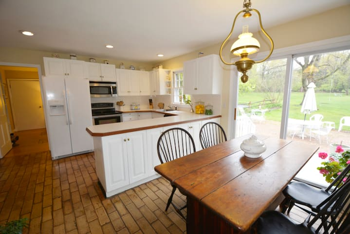 Country Home for Rent - Wilton - Ev