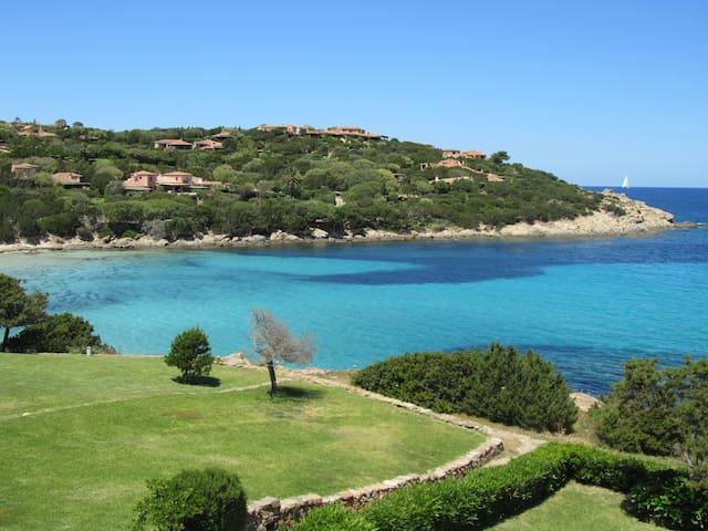 """Dolce Vita"" sea-front apartment - Porto Cervo - Byt"
