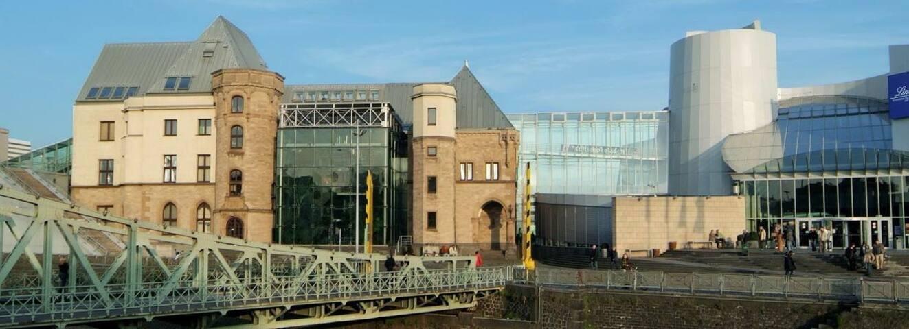 Cosy Apartment near River - Köln - Huoneisto