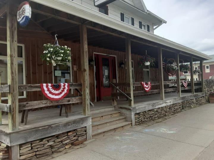 The Whitesville House Restaurant Tavern & Hotel
