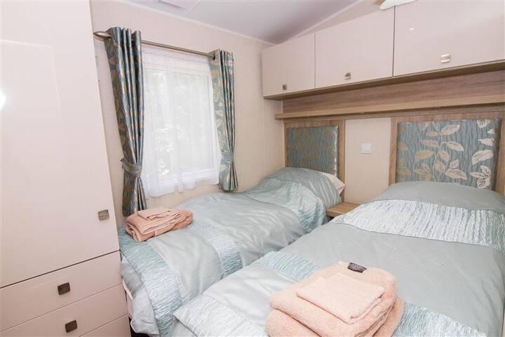 Kathy's Lodge - NR17 - Norfolk - Natur lodge