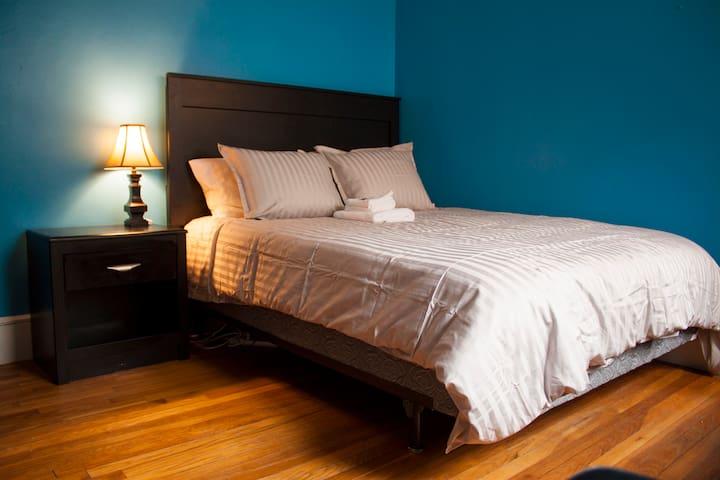 Allston: The Blue Room - Boston - Apartamento