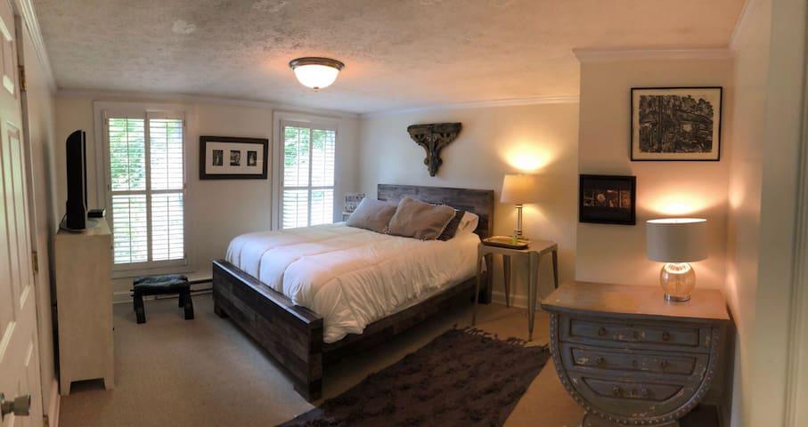 The master bedroom, new bed, new mattress, new bedding. Hypoallergenic comforter.