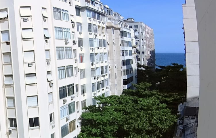 Cozy Studio with Side Sea View in Copacabana - Rio de Janeiro - Apartemen