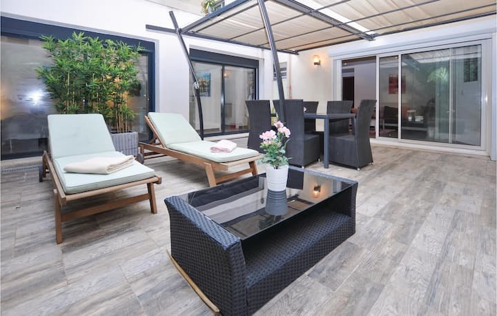 Holiday apartment with 2 bedrooms on 61m² in Cannes