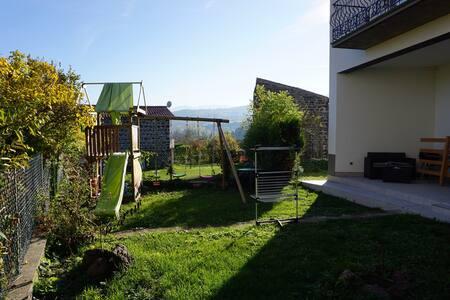 Chambre dans un village calme proche de Clermont - Tallende