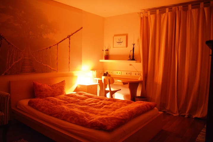 Cozy room for 1-2 persons downtown - Murnau am Staffelsee - Casa