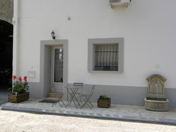 Appartement agréable, calme au Domaine de Foucaud
