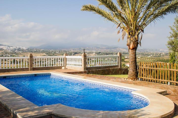 Casa de campo tranquila con vistas panorámicas. - Málaga - Huis