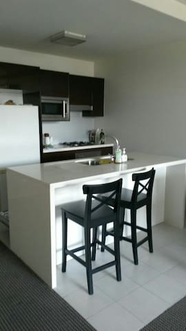 Luxury 1 bed appartament!! Living. City CBD - Zetland - Apartemen