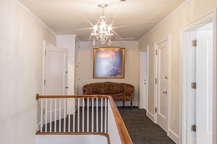Some of hallway with lounge