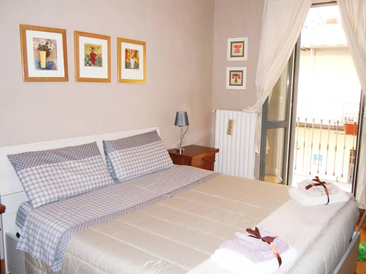 APARTMENT SEMPIONE CENTER  2 BEDS  3 GUESTS