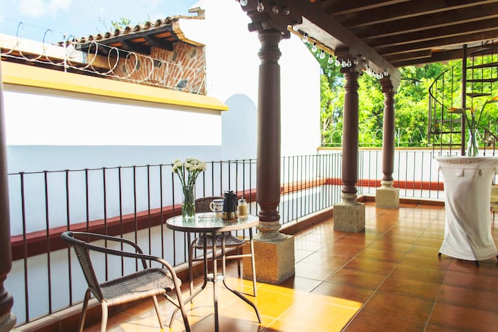 ✪ 5-stars Colonial House ✪/FREE Parking #18 guests