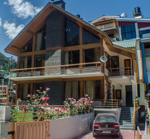 Luxury Cottage at Manali Centre