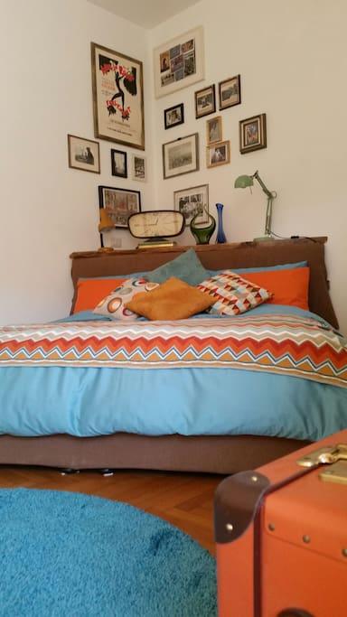 Your vintage bedroom dressed blue
