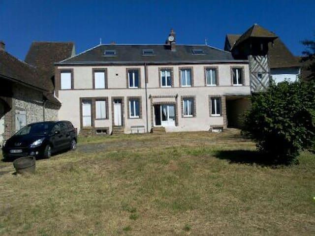 Maison familiale dans le perche à 1h30 de Paris - Champrond-en-Gâtine - Casa